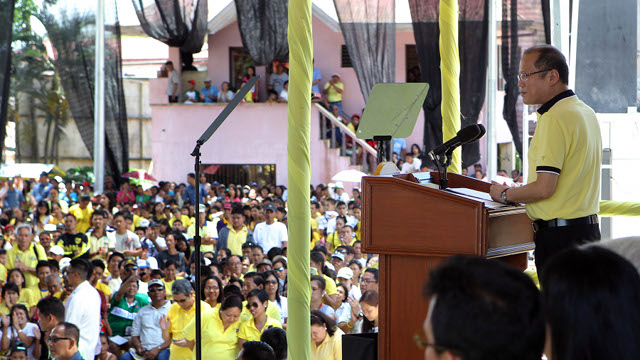 VISAYAS VISIT. President Benigno Aquino III endorses his slate in Capiz, where he was joined by 3 candidates. Malacañang Photo Bureau