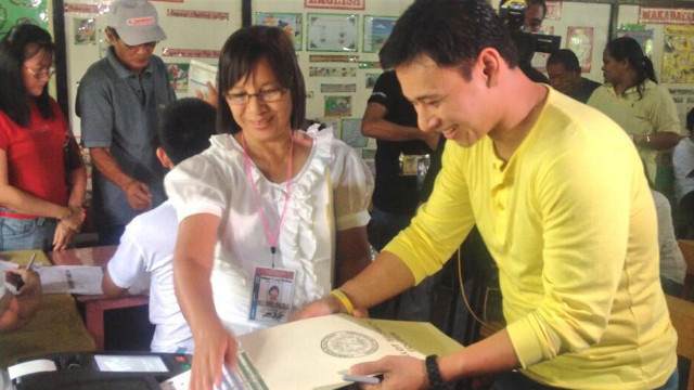 Photo from Sonny Angara's Facebook page.
