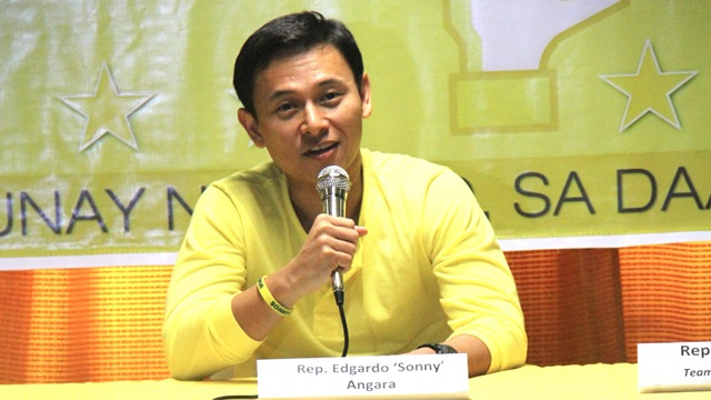 FULL DISCLOSURE. Rep Sonny Angara said he is willing to disclose both his Statement of Assets, Liabilities and Net Worth for 2012 as well as his Income Tax Return. Photo from Team PNoy Media Bureau