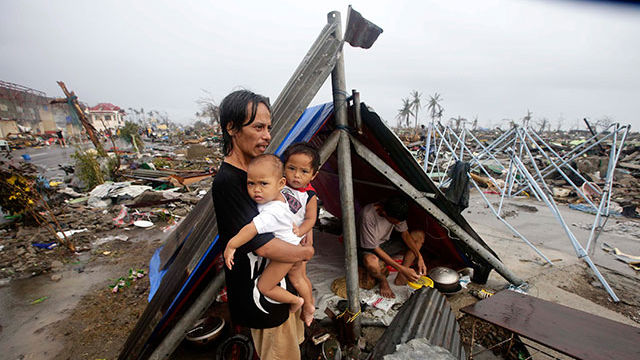 PopeFrancisPH 4 Challenges Facing Filipino Families