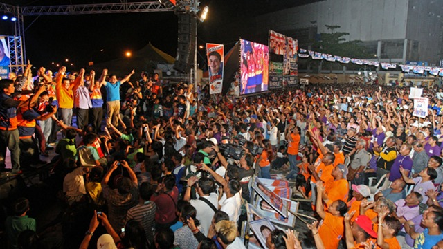 NO BIG RALLY IN COMVAL. In a break from its usual campaign, UNA will not hold rallies in Compostela Valley and instead conduct public market visits in the province hard hit by Typhoon Pablo. File photo of UNA's Cagayan de Oro rally courtesy of UNA